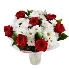 букет подаруночок червоні троянди та хризантеми