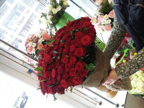101 троянда на фото