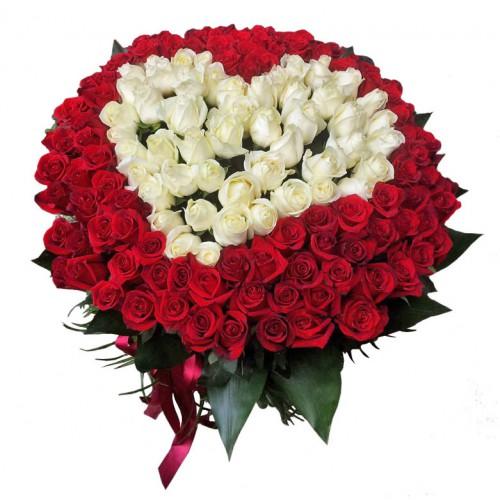 Серце 101 троянда біла та червона