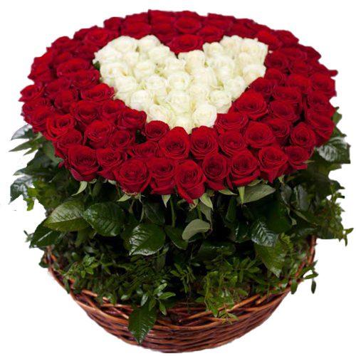 """товар 101 троянда """"Серце в кошику"""""""