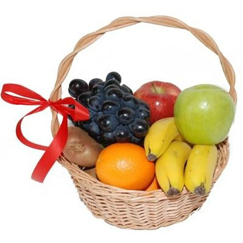Малий кошик фруктів фото