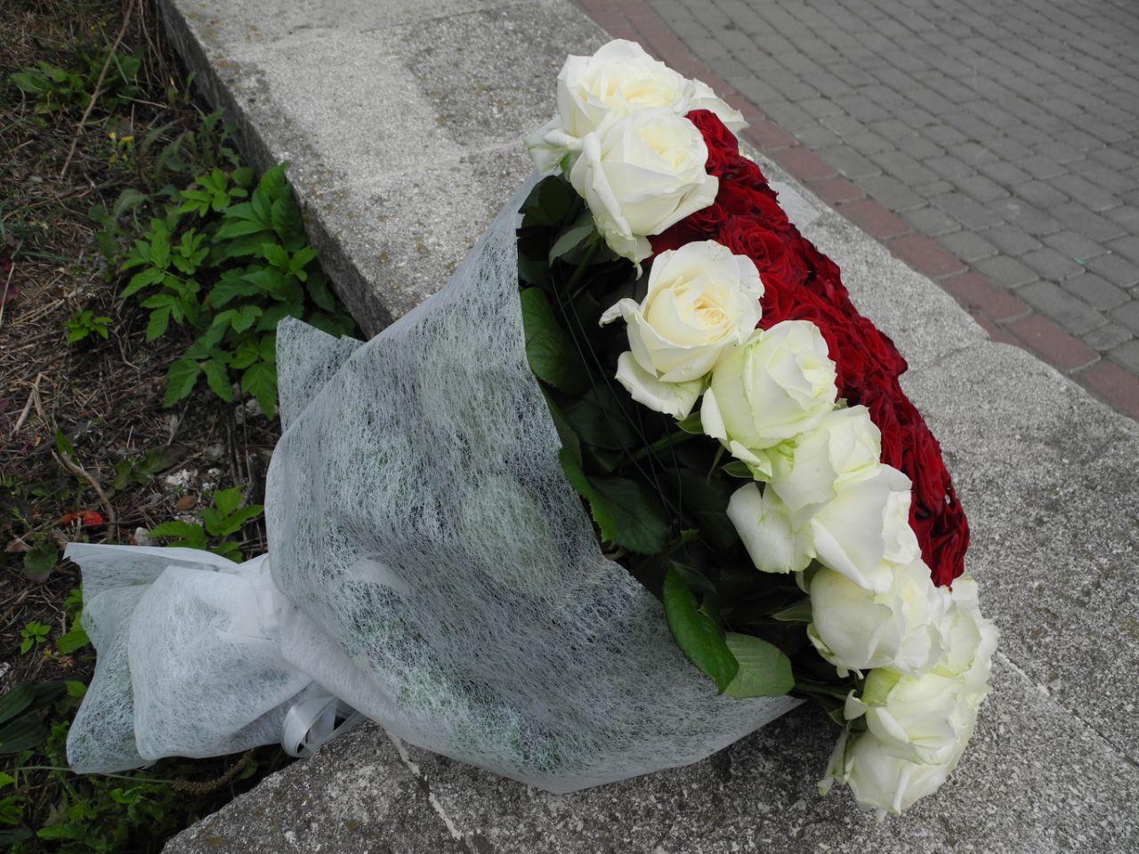 Серця 101 троянда фото