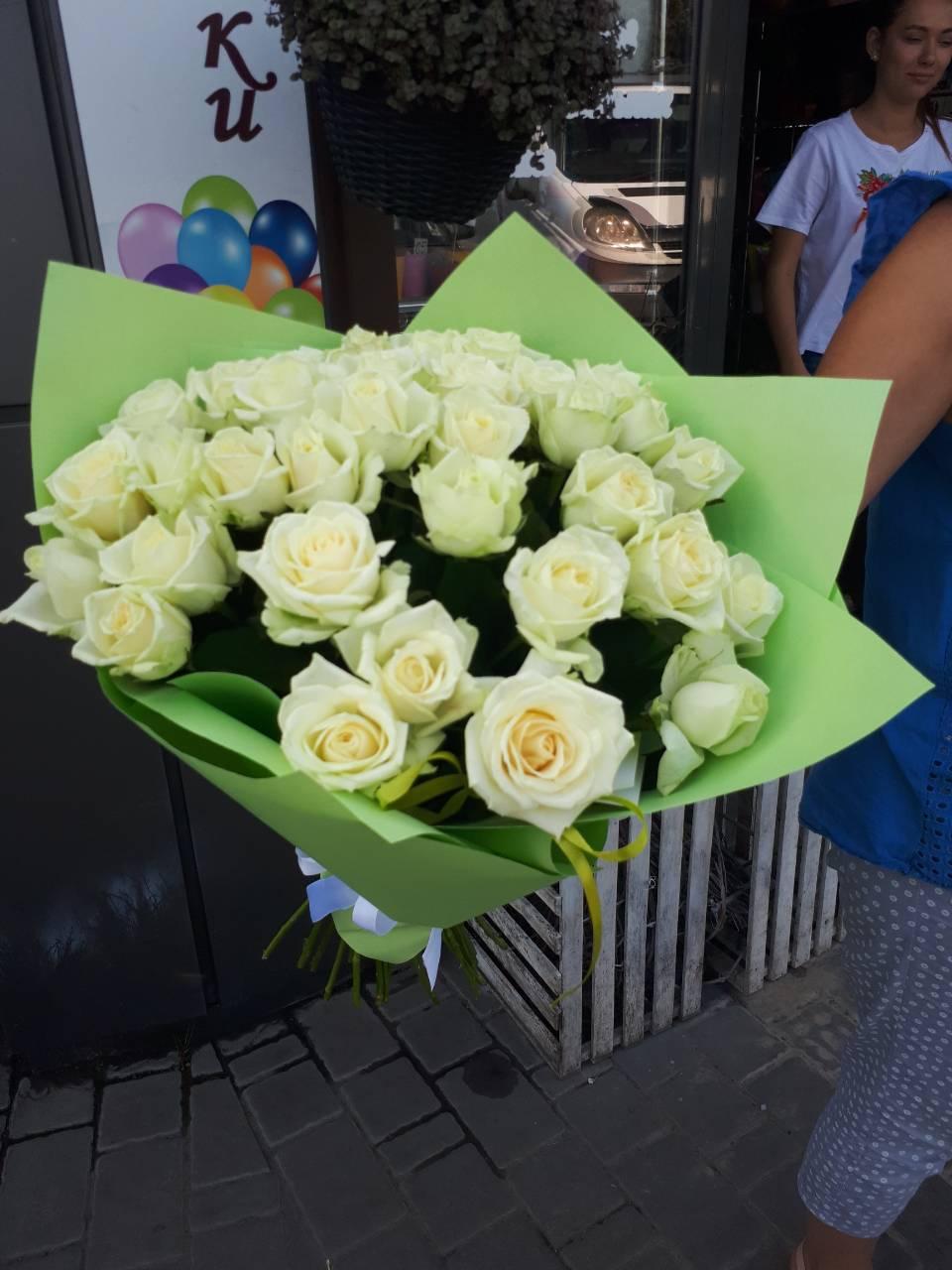 33 троянди аваланч фото