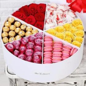коробка примха богатія солодощі та квіти