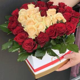 фото 51-роза-сердце-в-спец-коробке