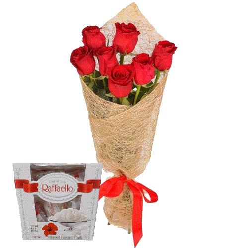 фото 7 червоних троянд із цукерками