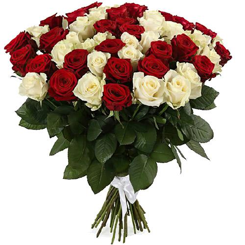 букет 51 червона та біла троянда фото