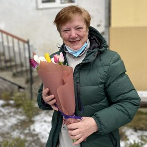 букет 15 різнокольорових тюльпанів фото