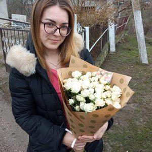 фото доставки 15 кущових троянд