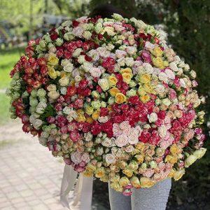 Огромный букет кустовой розы в Виннице фото