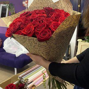 33 червоні рози у Вінниці фото