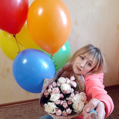 Фото товару Кремова троянда і спрей